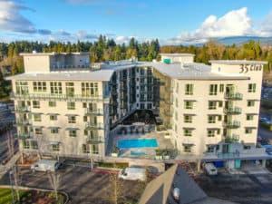 35 Club Apartments Eugene Exterior Shot
